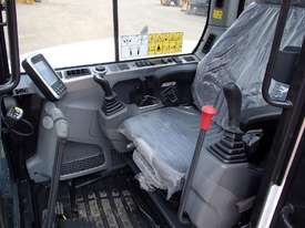 Bobcat E85 Excavator - picture10' - Click to enlarge