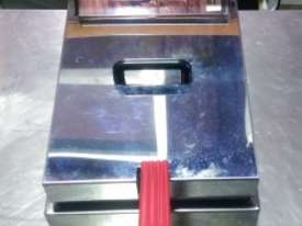 WOODSON Deep Fryer WFRS50 (Ex-display) - picture0' - Click to enlarge