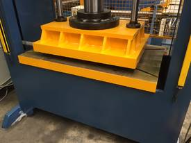 110Ton H Frame Heavy Duty Hydraulic Platen Press - picture3' - Click to enlarge