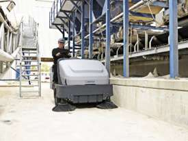 Nilfisk Ride On Battery Sweeper SR1601  - picture2' - Click to enlarge