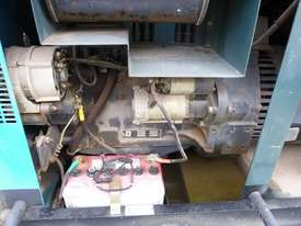 2008 McWel M580 Diesel Welder, 2 x 15 Amp Outlets & E-Stops IN AUCTION - picture2' - Click to enlarge
