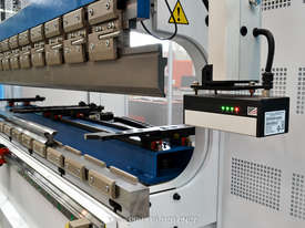 Yawei PBH 110-3100 CNC5, CNC7 or more. Precision CNC pressbrakes. Machines IN STOCK. - picture4' - Click to enlarge