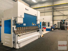 Yawei PBH 110-3100 CNC5, CNC7 or more. Precision CNC pressbrakes. Machines IN STOCK. - picture0' - Click to enlarge