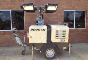 Doosan   - V9 Lighting Tower
