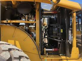 LATE MODEL CATERPILLAR 950GC WHEEL LOADER  - picture7' - Click to enlarge