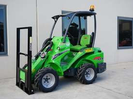 Avant 523 Wheel Loader - picture1' - Click to enlarge
