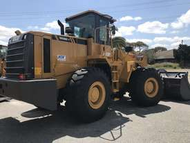 WCM958G-II 17Ton Wheel Loader - picture5' - Click to enlarge