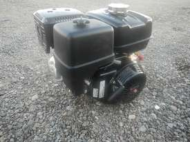 Unused Honda GX340 10.7HP 4 Stroke Air Cooled Petrol Engine - 1123132 - picture0' - Click to enlarge
