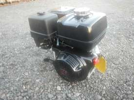 Unused Honda GX340 10.7HP 4 Stroke Air Cooled Petrol Engine - 1123132 - picture1' - Click to enlarge