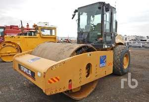 CATERPILLAR CS663E Vibratory Roller