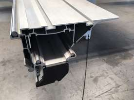 Powered fence 3200mm LINEA Panelsaw - picture5' - Click to enlarge
