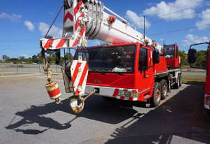 2011 ZOOMLION QY50 MOBILE HYDRAULIC TRUCK CRANE