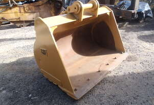 Cat Caterpillar Mud Bucket Suit 25 Tonner