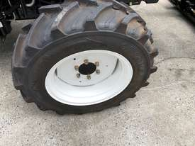 Lovol M804 ROPS 80hp 4WD Tractor with 4 in 1 Loader - picture1' - Click to enlarge
