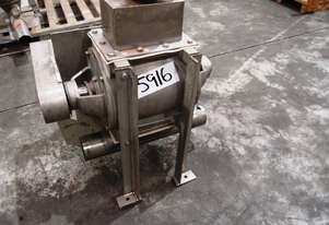 Rotary Valve (Drop Through), IN: 220mm L x 120mm W, OUT: 220mm L x 220mm W