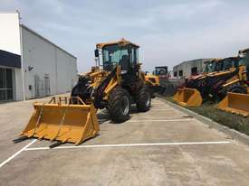 SUMMIT 828 120HP 6.5T Wheel Loader With 4 in 1 Bukcet, Fork & Spare Wheel - picture3' - Click to enlarge
