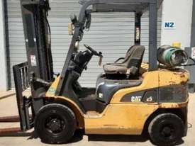 Used CAT 2.5T LPG Forklift - picture0' - Click to enlarge