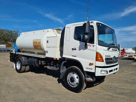 Hino GT 1322-500 Series Fuel/Lube Tanker Truck - picture1' - Click to enlarge