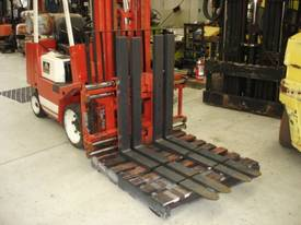 Twin Pallet Handler Class 3 - picture0' - Click to enlarge