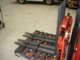 Twin Pallet Handler Class 3 - picture2' - Click to enlarge