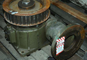 Heavy duty industrial gearbox 20:1 ratio 2.5