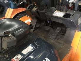 Used LPG Toyota 7FG40 forklift - picture5' - Click to enlarge