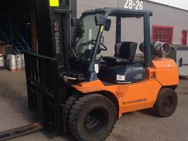 Used LPG Toyota 7FG40 forklift - picture11' - Click to enlarge