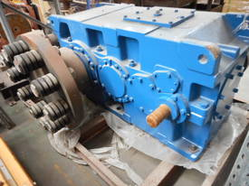 PARAMAX GEARBOX 25.7:1  - picture1' - Click to enlarge