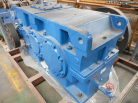 PARAMAX GEARBOX 25.7:1  - picture2' - Click to enlarge