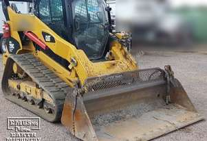 CAT 299C Skid Steer with Broom, 2500hrs. EMUS NQ