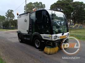 Azura Concept Sweeper Sweeping/Cleaning - picture3' - Click to enlarge