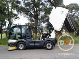 Azura Concept Sweeper Sweeping/Cleaning - picture9' - Click to enlarge