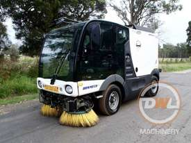 Azura Concept Sweeper Sweeping/Cleaning - picture2' - Click to enlarge