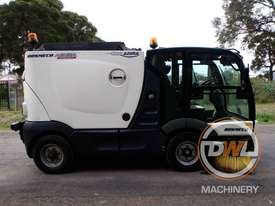 Azura Concept Sweeper Sweeping/Cleaning - picture4' - Click to enlarge