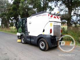 Azura Concept Sweeper Sweeping/Cleaning - picture6' - Click to enlarge