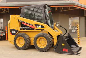 2017 CAT 226B-3 SKID STEER LOADER