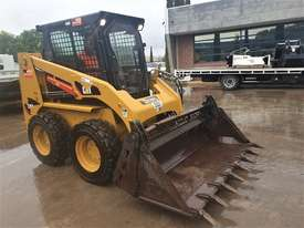 2018 CAT 226B-3 SKID STEER LOADER WITH LOW 200 HOURS - picture1' - Click to enlarge