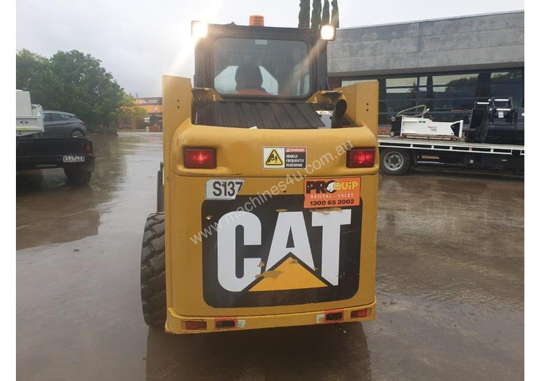 2018 CAT 226B-3 SKID STEER LOADER WITH LOW 200 HOURS