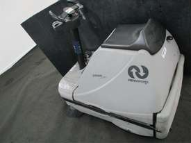 RIDE ON SWEEPER SURESWEEP STR 1000 INCLUDING EXTRAS - picture4' - Click to enlarge
