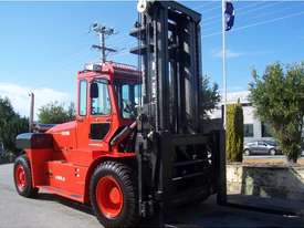 14 TO 46 TON HEAVY DUTY FORKLIFTS - picture5' - Click to enlarge