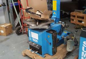 Summit Tyre Balancing Machine