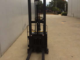 Ex-Demo Walkie Stacker - Low Hours - picture1' - Click to enlarge