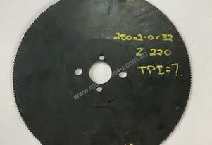 Cold Saw Blade HSS 250Ø x 2.0 x 3.2mm Bore 220T