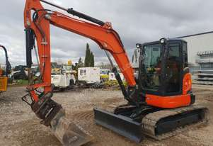2014 KUBOTA U55-4 EXCAVATOR WITH FULL CABIN, TILTING HITCH AND BUCKETS