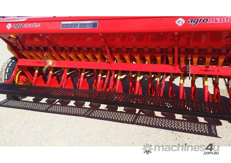 2018 AGROMASTER BM 16 SINGLE DISC SEED DRILL (3.0M)