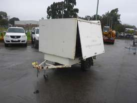 1990 Custom Made Single Axle Enclosed Trailer with Hydraulic Fitting Crimper IN AUCTION - picture0' - Click to enlarge