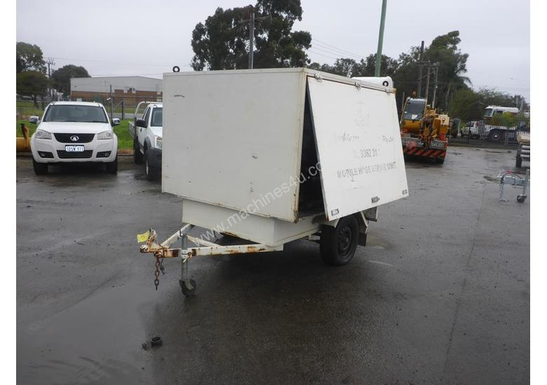 1990 Custom Made Single Axle Enclosed Trailer with Hydraulic Fitting Crimper IN AUCTION