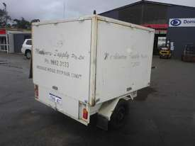 1990 Custom Made Single Axle Enclosed Trailer with Hydraulic Fitting Crimper IN AUCTION - picture4' - Click to enlarge
