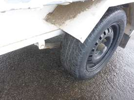 1990 Custom Made Single Axle Enclosed Trailer with Hydraulic Fitting Crimper IN AUCTION - picture16' - Click to enlarge