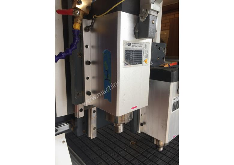 CNC Router with Twin Spindles/ Vacuum Table/ Rotary Axis